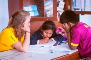 Volontariato-educativo-e-amministrativo-per-lo-sviluppo-della-comunita-Intiwawa-002