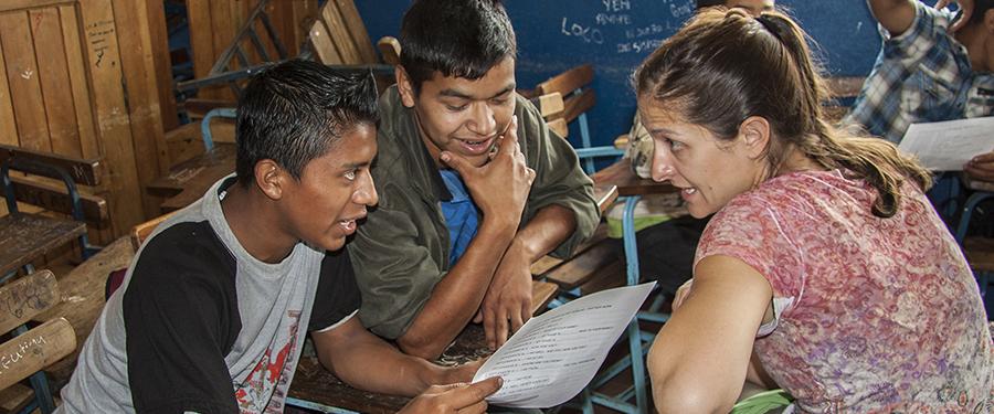Come scegliere l'associazione per fare volontariato all'estero
