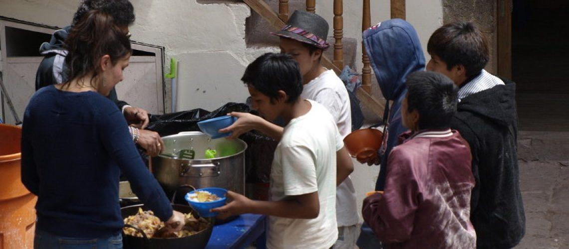 Volontariato internazionale con i bambini di strada