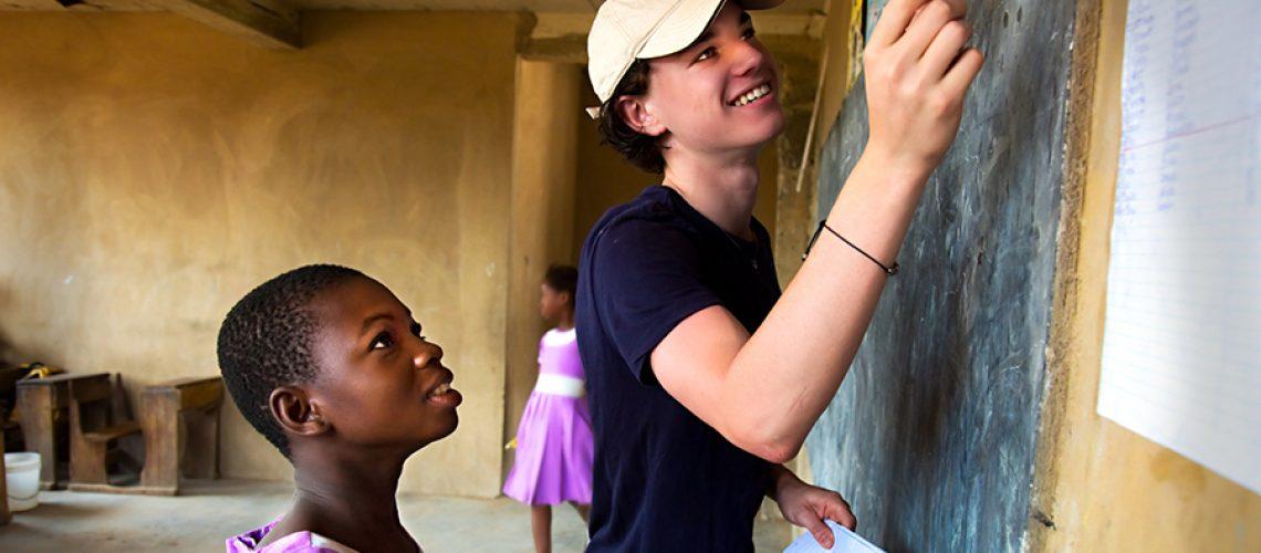 volontariato-internazionale-a-scuola